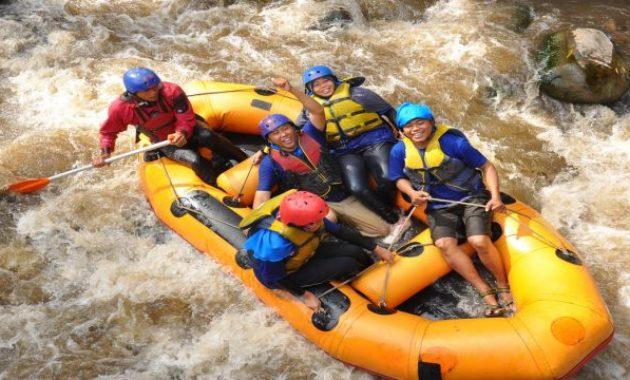 Mencoba Pengalaman Baru Di Kaliwatu Rafting