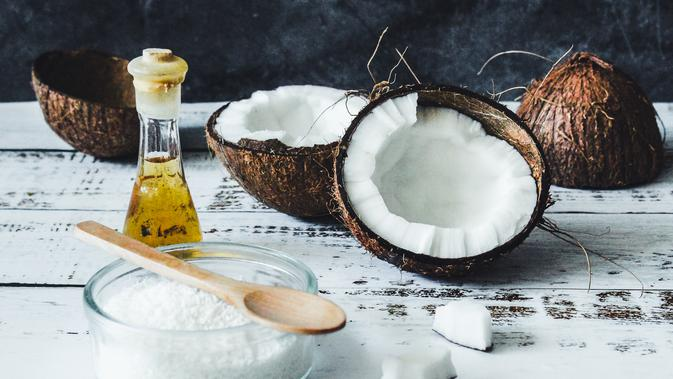 Cara-Membuat-Minyak-Kelapa-Murni-Secara-Tradisional